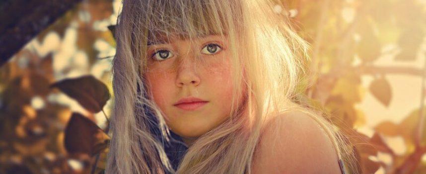 Pige benægter tankevirksomhed