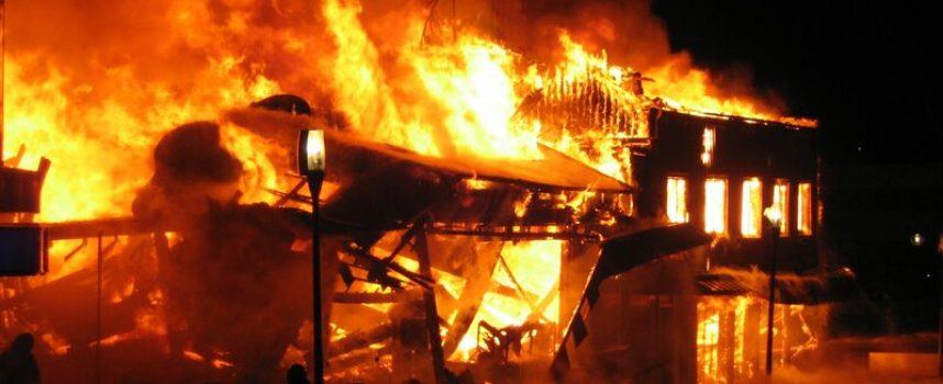 Rasende mor sætter ild til eksklusiv børnetøjsbutik