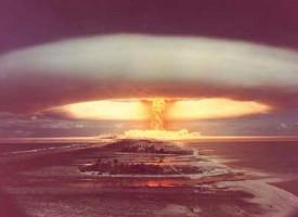 Kvinder afslører atomvåben på kampdag