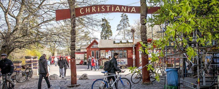 Christiania rydder sig selv i protest mod normalisering