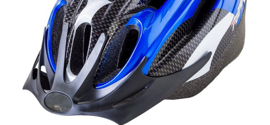 "Cyklist erkender: ""Ja, hellere hjerneskade end hjelm"""