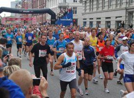Tusindvis af mennesker løb mange kilometer; stoppede så