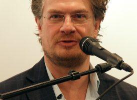 Henrik Dahl tilgiver Claes Kastholms lettere sarkastiske tone