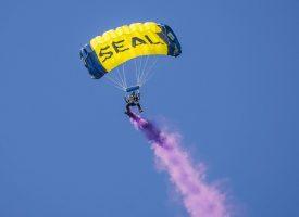 Super Brian afsløret som Navy Seal