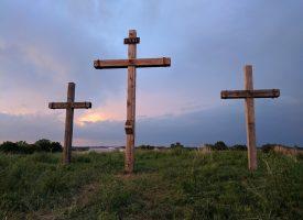 Religiøs sekt pynter sig med torturredskab (fra arkivet, år 56)