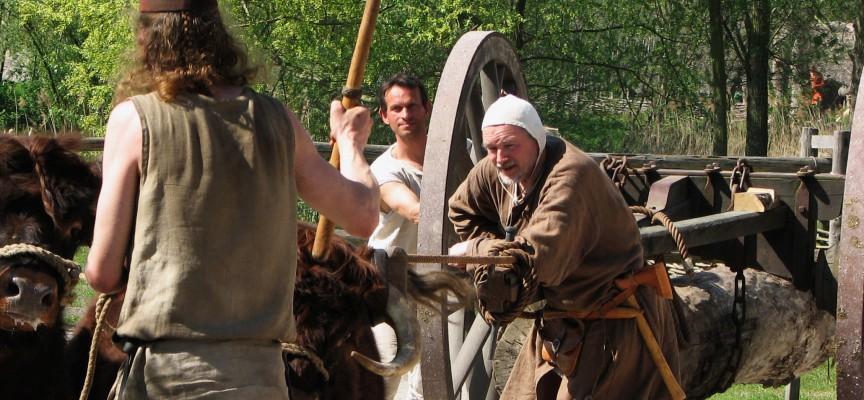 Fra arkivet, 1324: Feudalsamfundet tvinger dig til at være på konstant