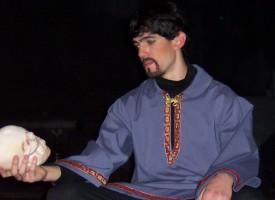 Hamlet udgiver ny bog: Gør det vigtigste først