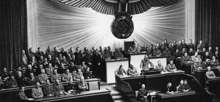 Hitler: Verdenskrig var kunsthappening