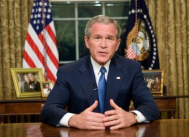 Protestsangere og teaterinstruktører savner Bush