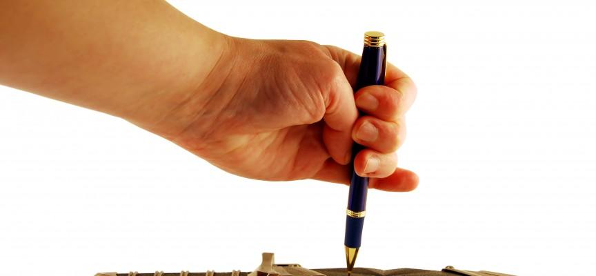 Bekymret forlagsredaktør afværger karaktermord på digter