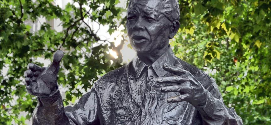 Nelson Mandela-film har hvid mand i hovedrollen: Det handler ikke om hudfarve