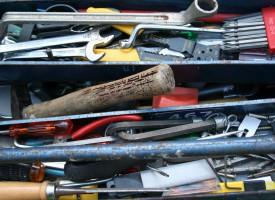 Ordet værktøj brugt om faktisk værktøj