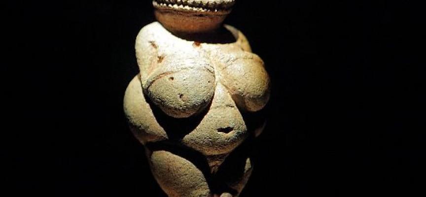 Skønhedsidealer piner Cro-Magnonkvinder (fra arkivet, år 25.000 f.v.t.)