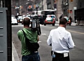 Journalister i protest: Store begivenheder ødelægger vores agurketid