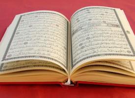 Imam finder Koran-vers, der tillader sokker i sandalerne