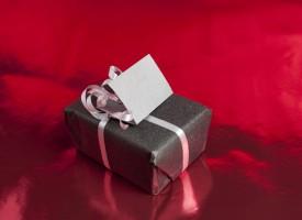 Husk at indberette julegaver til SKAT