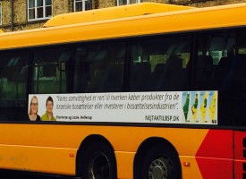 Politikere kræver egne busreklamer trukket tilbage