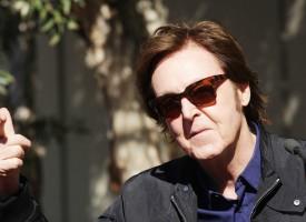 Kritikere: Paul McCartney tager Roskilde som gidsel