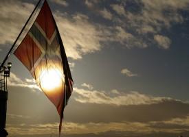 Hirtshals invaderet af norske bådflygtninge