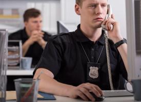 Politiet magtesløst over for sprogfundamentalistisk terror (fra fremtidsarkivet, år 2025)