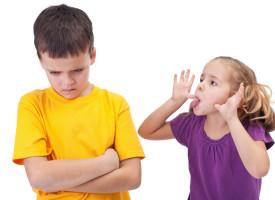 Danskerne sladrer snart til læreren: Udlandet skriver grimme ting om os