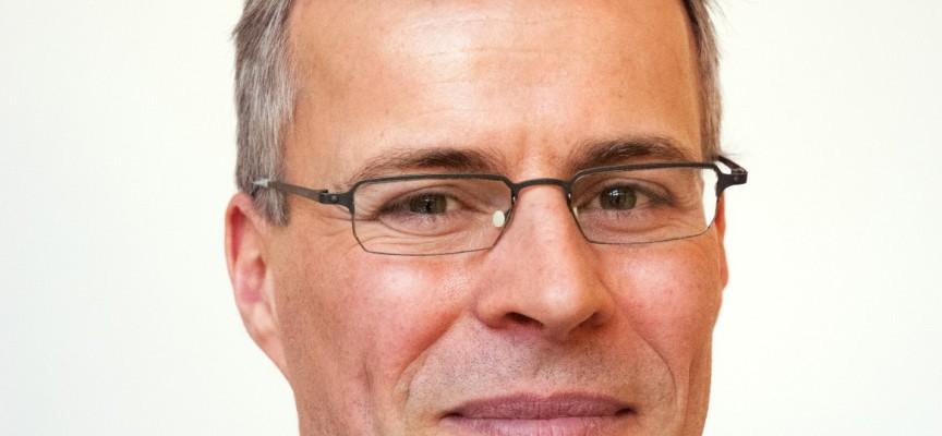 Thomas Larsen: Genialt af Venstre at tabe magtkamp og gå tilbage i meningsmålingerne