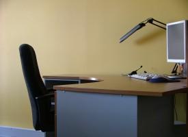 Kreativ projektmager afsløret på enkeltmandskontor