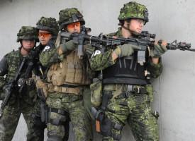Forvirret militær indtager Christiansborg og udløser borgerkrig