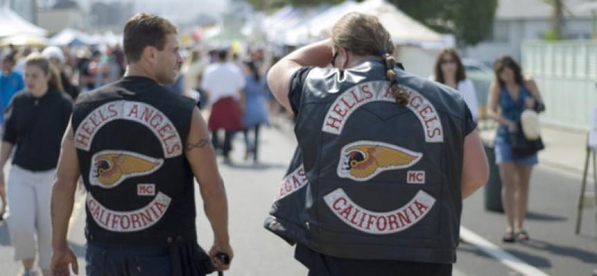 """Hells Angels inspireret af SF's """"babylån"""": Lån penge af os til at betale dine dummebøder"""