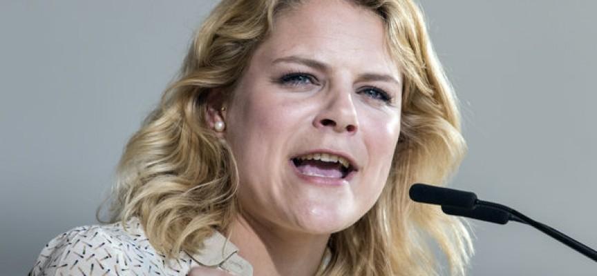 Johanne Schmidt-Nielsen: Hvorfor skal jeg betale skattekroner til AGF, når jeg ikke selv er medlem?