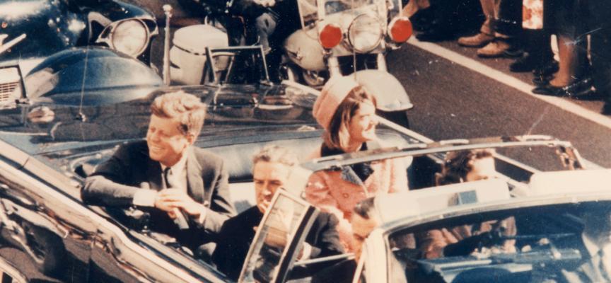 Journalister om stenuheld på motorveje: Lige så slem som ulykken, der dræbte Kennedy