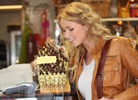 Brevkasse: Hvor længe skal jeg kigge interesseret på den dyre chokolade i Magasin for at retfærdiggøre min smagsprøve?