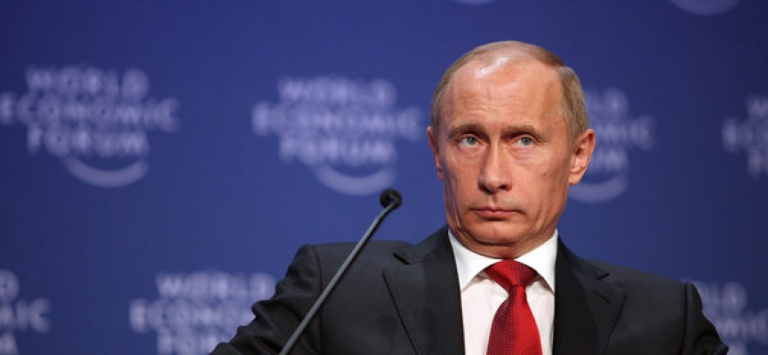 Putin enig med John Halse: Delte nøgenbilleder er som et land, der har undladt at opruste og derefter tuder over at blive besat