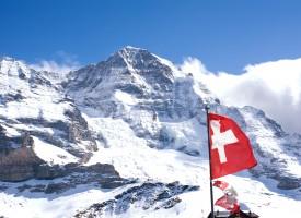 Venner og familie til LA'er er ikke spor trætte af at høre om Schweiz