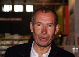 Carsten Jensen i kronik: Alle de onde er dumme pruttelorte