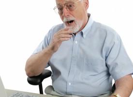 Pensioneret lektor opdager stavefejl på Facebook