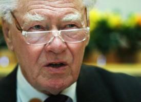 Poul Schlüter kåret til Danmarks ældste statsminister