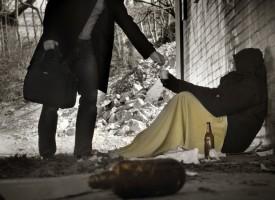 Læserspørgsmål: Hvordan får jeg mest ud af det bidrag, jeg gav til en hjemløs forleden?