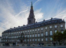 Voksen fundet i dansk regering