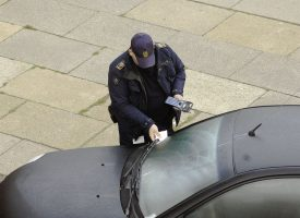 FDM laver indsamling til parkeringsvagternes strejkekasse