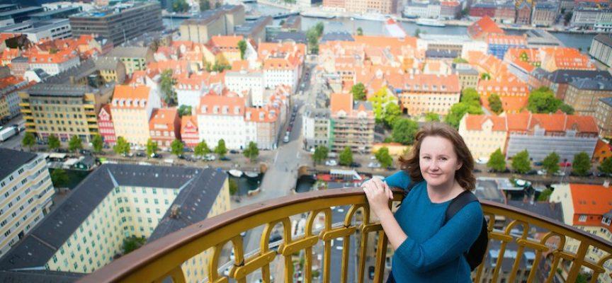Dansk sangskriver realiserer drømmen: Flytter fra landet til pulserende storby