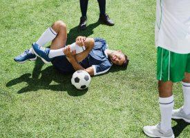 Opinion: Vi skal tale mere om vold mod mænd i professionel fodbold