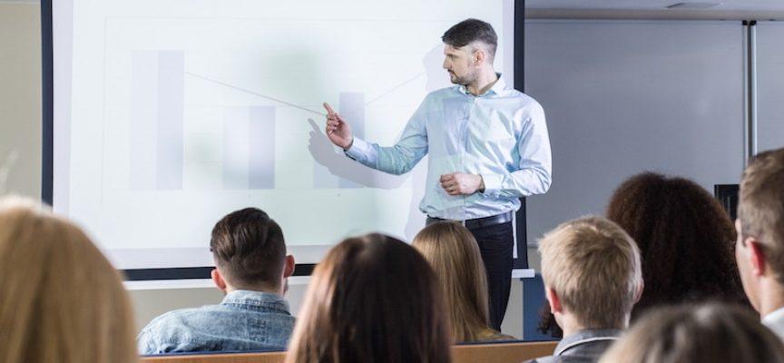 Studerende klager over underviser: Han mansplainer til alle forelæsninger