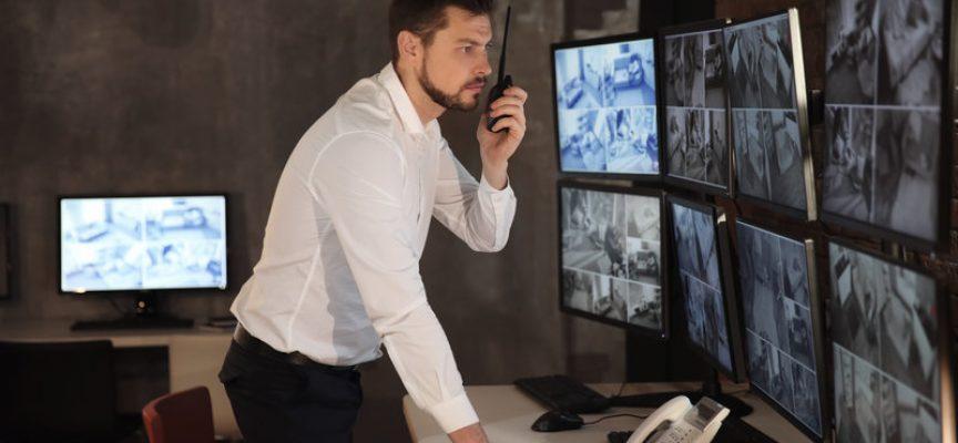 Regeringen sætter overvågningskameraer og mikrochips ind i kampen mod socialt bedrageri
