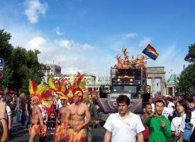 Nej til Pride-pres: Springer ud som kedelige bøsser