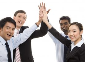 Alternativet: Nye statsborgere skal hilse med high-five