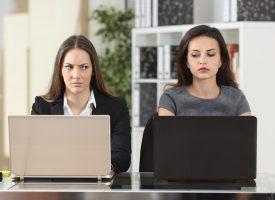 Kvinde vinder passivt aggressivt Facebook-skænderi med veninde efter fem dage