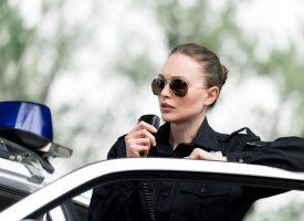Mor-politiet ekskluderer kvinde fra mødregruppe på grund af manglende ammeholdninger