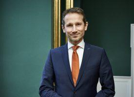 Finansministeren: Bedre at bruge 410 milliarder på finanshajer end på psykisk syge