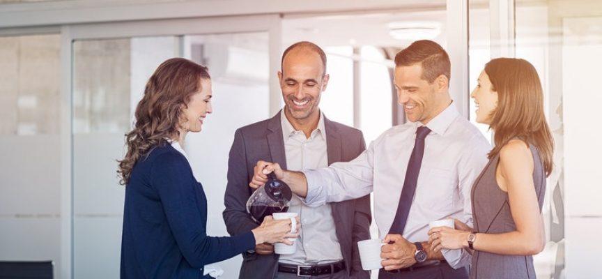Erhvervsminister: Lønmodtagere skal trækkes i løn for at hente kaffe i arbejdstiden